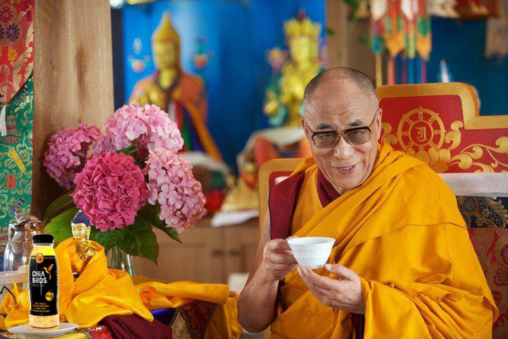 Dalai_Lama_Chia_Chia_Birds