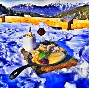 Kaiserschmarren Gericht Alpen Hütte Schifahren